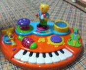 オーケストラのおもちゃ。